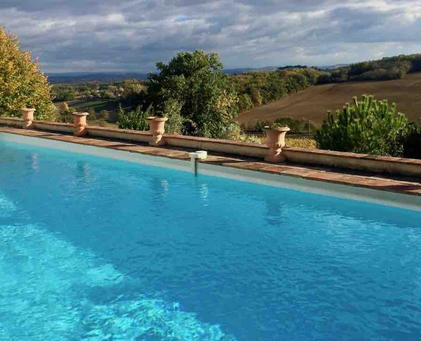 Perches Pool to do & to see in the Tarn Albi Gaillac