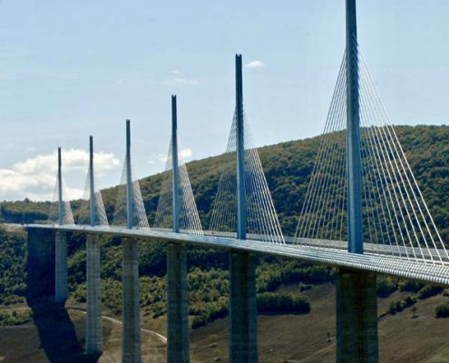 Millau Bridge to do & to see in the Tarn Albi Gaillac